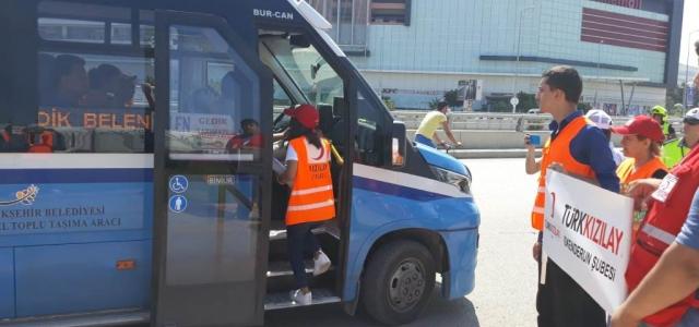 İlk Yardımın Önemini Trafikte Anlattılar