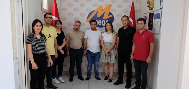 8. Gün'den Mega Medya'ya Kutlama Ziyareti
