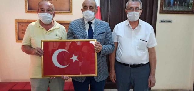 Altın Adamlardan İGC'ye Türk Bayrağı