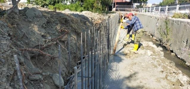 Arsuz'da Fen İşleri Çalışmalarını Sürdürüyor