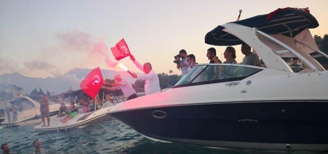 Arsuz'da Zafer Bayramı Tekne Kortejiyle  Kutlandı