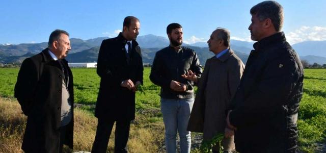 Başkan Culha, Zarar Gören Çiftçinin Yanında