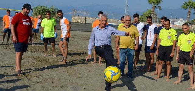 Başkan Güven Plaj Futboluna Start Verdi