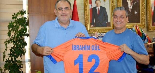 Başkan İbrahim Gül'e İskenderunspor Forması