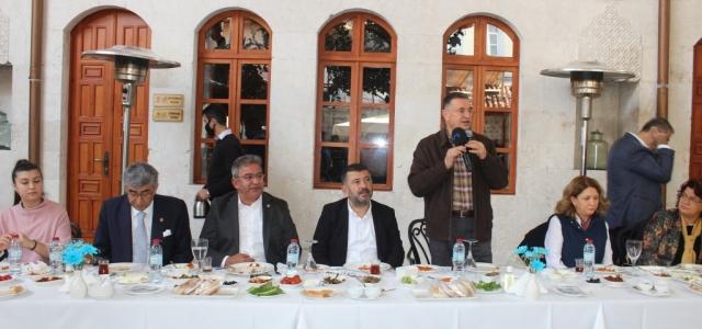 Başkan Savaş CHP Heyeti'ni Gastronomi Evi'nde Ağırladı