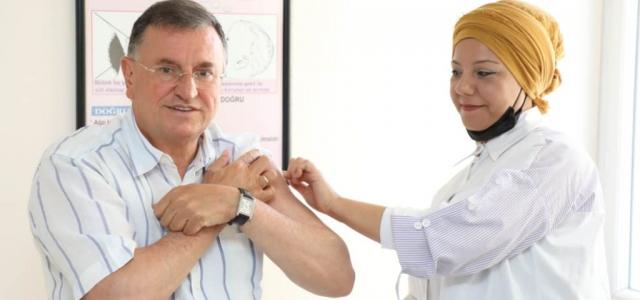 Başkan Savaş Üçüncü Doz Aşısı Yaptırdı