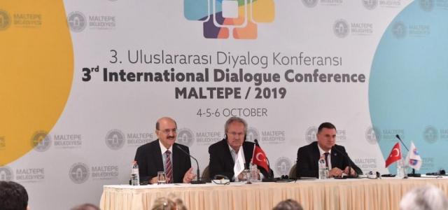 Başkan Savaş Uluslararası Diyalog Konferansı'nda