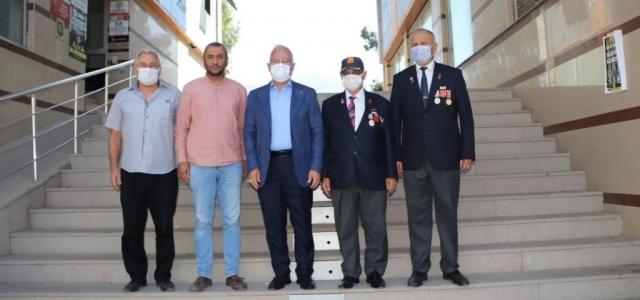 Başkan Tosyalı Gazileri Ziyaret Etti