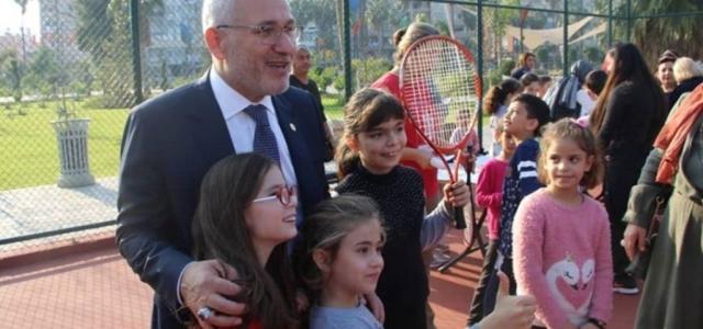 Başkan Tosyalı Minik Tenisçilerle Bir Arada