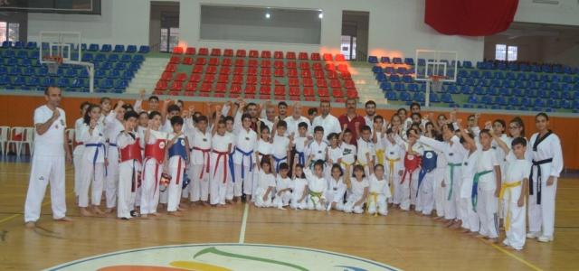 Başkan Tosyalı Taekwondocuları Ziyaret Etti