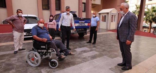 Başkan Tosyalı'dan Engelli Vatandaşlara Akülü Araç