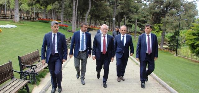Başkan Tosyalı'dan Şehitkâmil Belediyesine Ziyaret