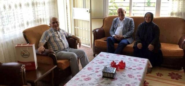 Başkandan Hasta Vatandaşlara Moral Ziyareti