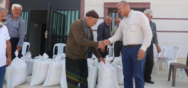 Buğday Tohumları Üreticilere Dağıtıldı