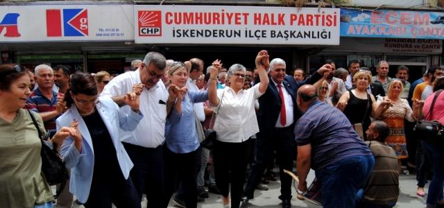 CHP İskenderun'da Adaylarını Tanıttı