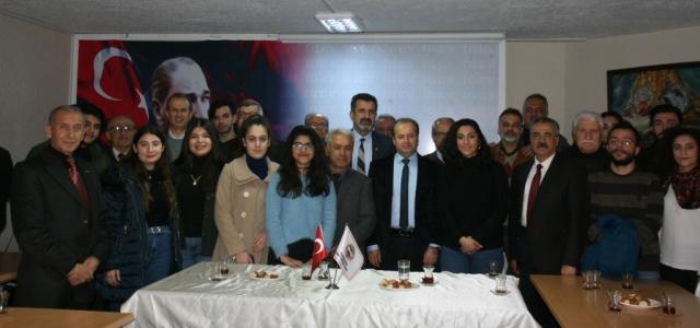 Dr. Şahutoğlu İGEV'de Gençlerle Buluştu