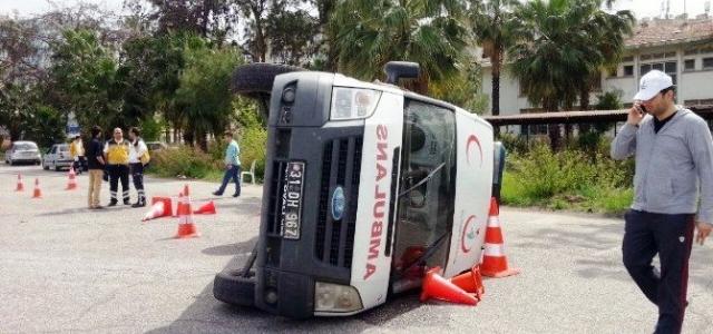 Eğitim Verilen Ambulans Devrildi