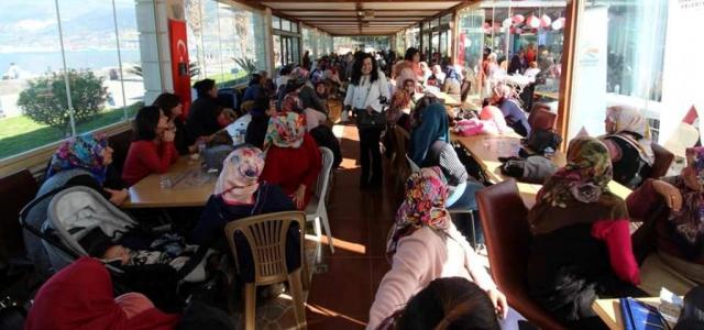 İskenderun Belediyesi Kadınlar Gününü Kutladı