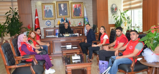 İskenderun Gençlik Merkezi'nden Başkan Gül'e Zİyaret