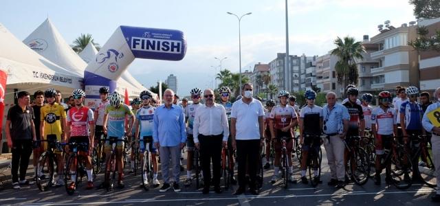 İskenderun'da Pedallar Türkiye Şampiyonası için Çevrildi