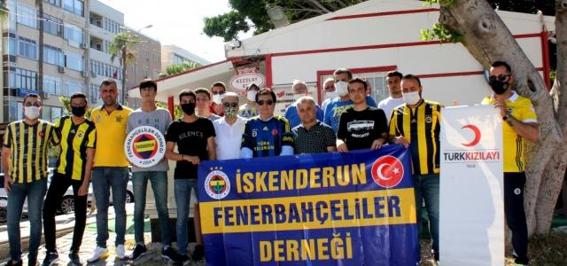 İskenderun'lu Fenerbahçeliler'den Kızılay'a Destek