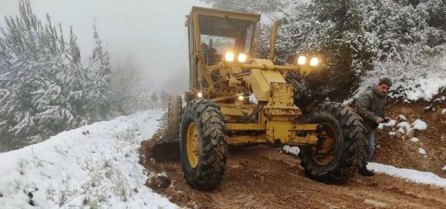 Kar Yağışı Sonrası Yol Açma Çalışması
