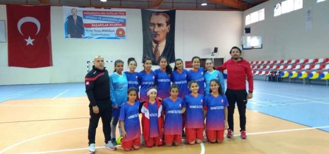 Kız Futsal Takımı Hatay İkincisi Oldu