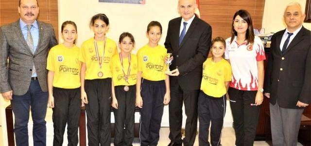 Masa Tenisinde Gençlik Spor Kulübü Farkı