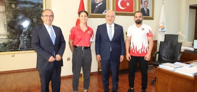 Milli Sporcudan Başkan Tosyalı'ya Ziyaret
