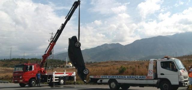 Otomobil Takla Attı Şoför Ölümden Döndü