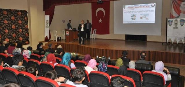 Payas'ta Öğrencilere Konferans