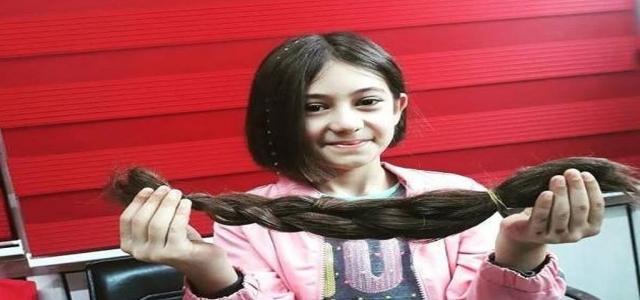 Saçlarını Kanser Hastalarına Bağışladı