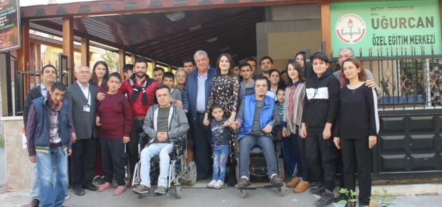 Sanatçı Faikzade, Özel Çocukları Ziyaret Etti!