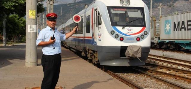 Tarihi İskenderun Garı Hızlı Treni Bekliyor