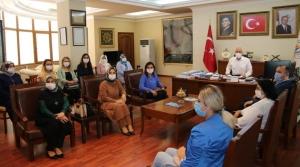 Ak Parti Kadın Kollarından Başkan Tosyalı'ya Ziyaret