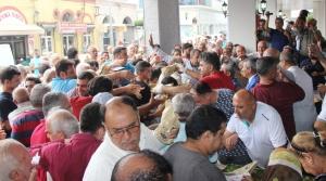 Balık Semt Pazarı Açılışında Balık Ekmek İzdihamı!