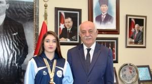 Balkan Şampiyonu Sporcudan Başkan'a Ziyaret!