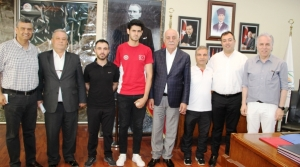 Başarılı Sporcudan Başkana Ziyaret