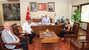 Başkan Tosyalı, Konuklarını Makamında Ağırladı