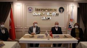 Başkan Tosyalı'dan İGEV'e Ziyaret