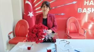 'Bayrağı Yükseklere Taşıyan Kadınlara Selam Olsun'