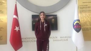İKEM'li Öykü Türkiye Finaline Yüzecek