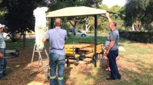 İskenderun Belediyesi Parklara Bakım Çalışması Yapıyor