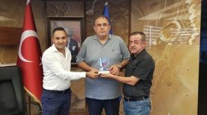 İskenderun Spor Kulüp Başkanı Hakan Bolat'a Hizmet Plaketi