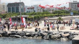 İSTE'li Öğrenciler Karton Teknelerle Yarıştı