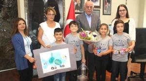 Öğrenciler Projelerini Başkan Seyfi Dingil'e Sundu