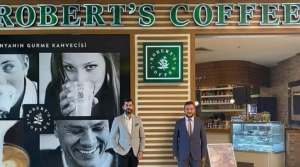Robert's Cafe Hizmete Start Verdi