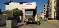 Çöp Konteynerleri Düzenli Olarak Dezenfekte Ediyor