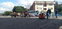 Karayılan'da Asfalt Yama Çalışması Yapıyor