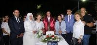 Toplu Nikah Töreni ile Onlarca Çift Dünya Evine Girdi